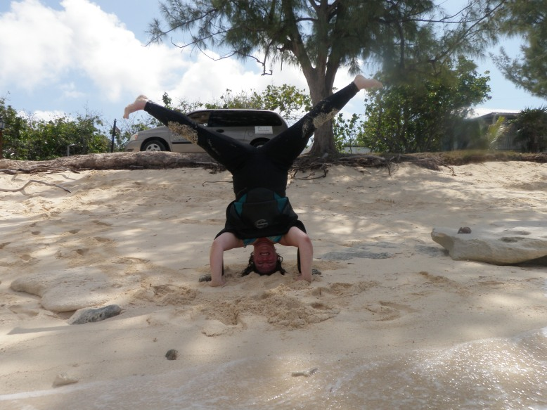 Plus size yoga headstand