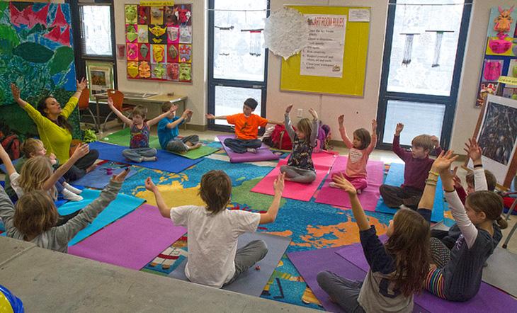 yoga-in-classroom